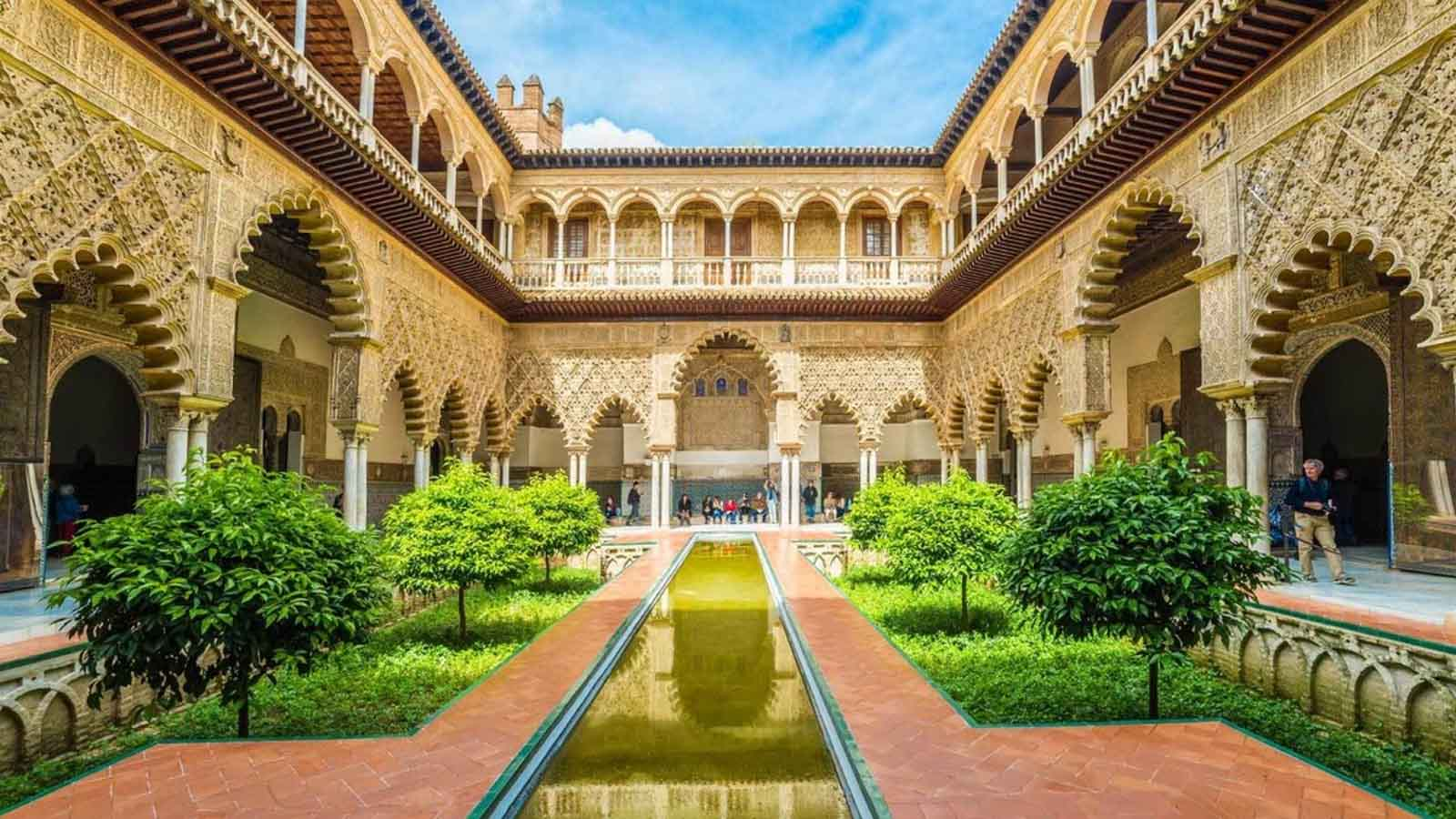 royal alcazar seville guided tour