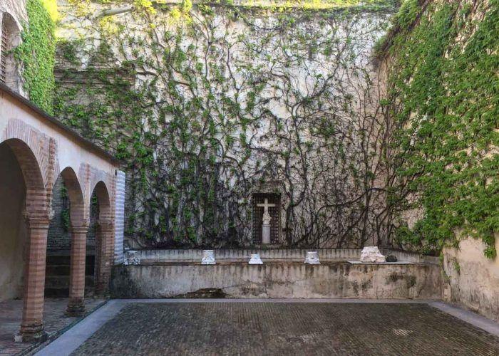 seville santa maria de las cuevas monastery