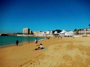 cadiz beach la caleta